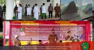 Kejari Aceh Tenggara Laksanakan Eksekusi Cambuk dan Musnahkan Babuk Tindak Pidana